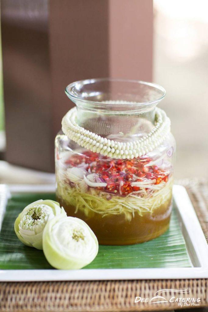 จัดเลี้ยงบุฟเฟต์อาหารไทย_เบรคไทย_Celeb-5-1-683x1024